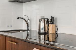 Premium Suites - Furnished Apartments Downtown Toronto, Apartmanok  Toronto - big - 104