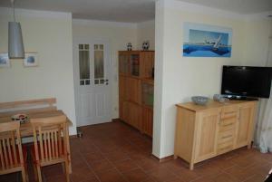 Neue Villa Ernst 02, Apartments  Bansin - big - 4