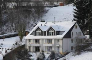 Appartementhaus Vierjahreszeiten - Apartment - Willingen-Upland