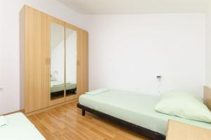 Apartments Vinko, Appartamenti  Brodarica - big - 32