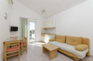Apartments Vinko, Appartamenti  Brodarica - big - 50