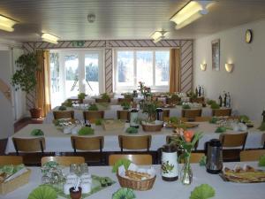 Centre Chrétien La Grange, Гостевые дома  Auberson - big - 45