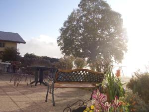 Centre Chrétien La Grange, Guest houses  Auberson - big - 49