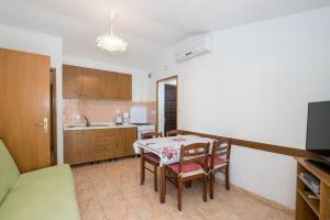 Apartments Dane, Ferienwohnungen  Trogir - big - 49