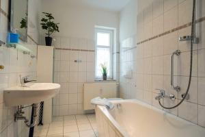 Villa Malve Wohnung 05, Apartmány  Bansin - big - 3