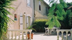 Loca-Moulins, Holiday homes  Saze - big - 17