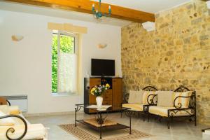 Loca-Moulins, Holiday homes  Saze - big - 2