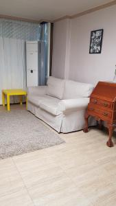 Feel Home Apt 3min walk from subway, Apartments  Seoul - big - 52
