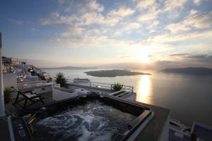 Sunset Hotel(Firostefani)