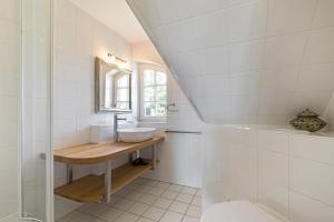 _Carolin_ App_ 3_ OG_ links, Apartmány  Wenningstedt - big - 23