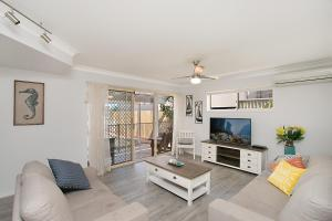 BEST OF BURLEIGH HEADS (250m to beach), Ferienhäuser  Gold Coast - big - 3