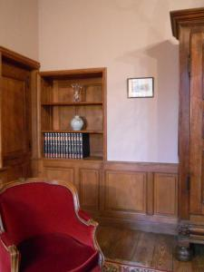 Le Logis d'Equilly, Bed and Breakfasts  Équilly - big - 2