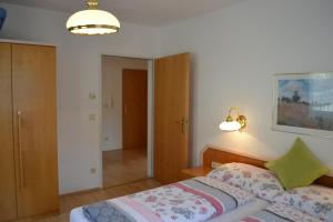 Ferienwohnungen Seerose direkt am See, Apartmány  Millstatt - big - 71