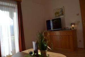 Ferienwohnungen Seerose direkt am See, Apartmány  Millstatt - big - 77