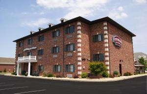 Nearby hotel : Country Hearth Inn & Suites Edwardsville
