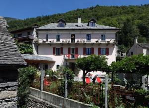 Casa Ambica - Hotel - Gordevio