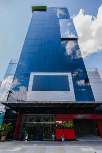 Панама-Сити - Innfiniti Hotel & Suites
