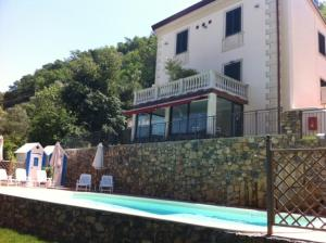 Nearby hotel : Relais Del Golfo