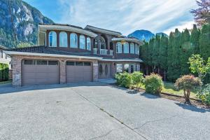 Spacious 4 BDR Squamish Home