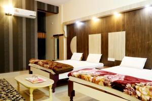 Hotel G K Jain