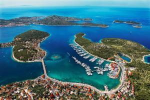 Marina Hotel Resort Frapa - Otok