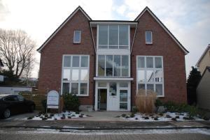 Villa Döser Strand, Апартаменты  Куксхафен - big - 1