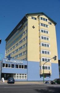 Károly Hotel photos