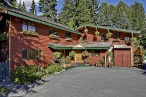 Cedar Springs Lodge Bed & Breakfast - Accommodation - Whistler Blackcomb