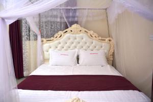 Mak Queen Hotel