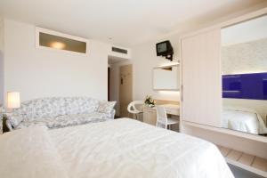 Hotel Savoy, Szállodák  Caorle - big - 20