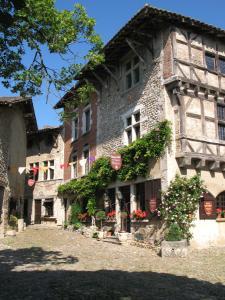 Hostellerie du Vieux Pérouges - Hotel