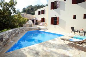 Areti Courtyard Villa