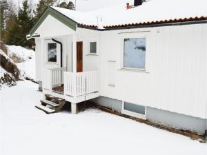 Two Bedroom Holiday Home in Hjalteby