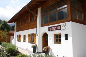 Ferienhaus Alpinissimo - Apartment - Oberammergau