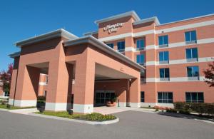 Nearby hotel : Hampton Inn Hampton-Newport News