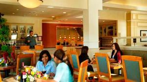 Hilton Garden Inn Sacramento Elk Grove, Отели  Элк-Гров - big - 20