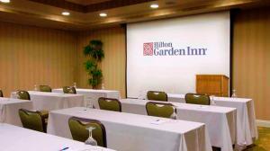 Hilton Garden Inn Sacramento Elk Grove, Отели  Элк-Гров - big - 17