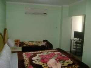 Isis Hostel 2