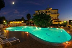 Рикади - Hotel Eolo