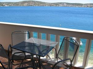 Apartment with Balcony and Sea View (4 Adults) - View Villa Salvia
