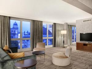 Corner Suite with Executive Lounge Access