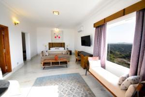 Fateh Safari Suites