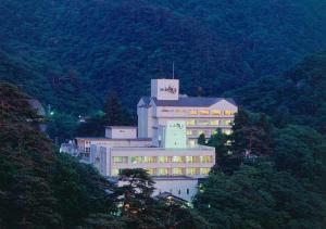 Аидзувакамацу - Higashiyama Park Hotel Shinfugetsu