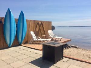 Lakeshore Beach House