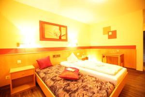 Hotelpension zum Gockl, Penzióny  Allershausen - big - 26