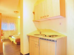Hotelpension zum Gockl, Penzióny  Allershausen - big - 18