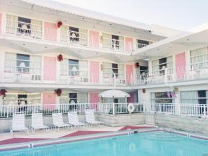 Вайлдвуд (Нью-Джерси) - Pink Champagne Motel