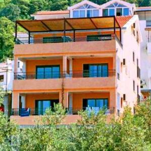 VLSB Apartments