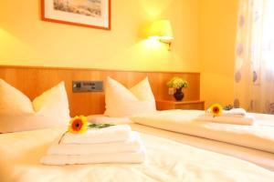 Hotelpension zum Gockl, Penzióny  Allershausen - big - 28