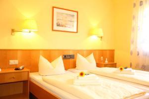 Hotelpension zum Gockl, Penzióny  Allershausen - big - 32